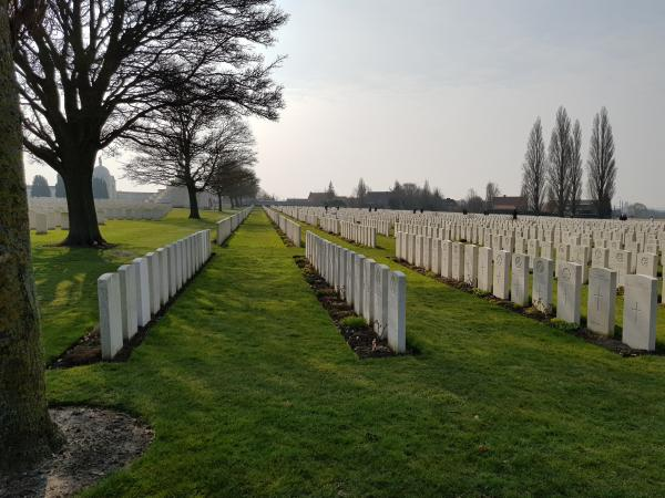 The rows of graves at Tyne Cot cemetery